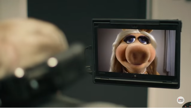 Miss Piggy Auditions for Stephen Hawking Voice