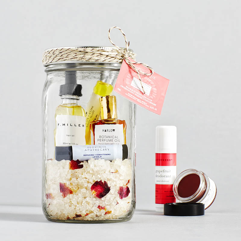 6 Clever, DIY Ideas For Gifts You Can Give In Mason Jars