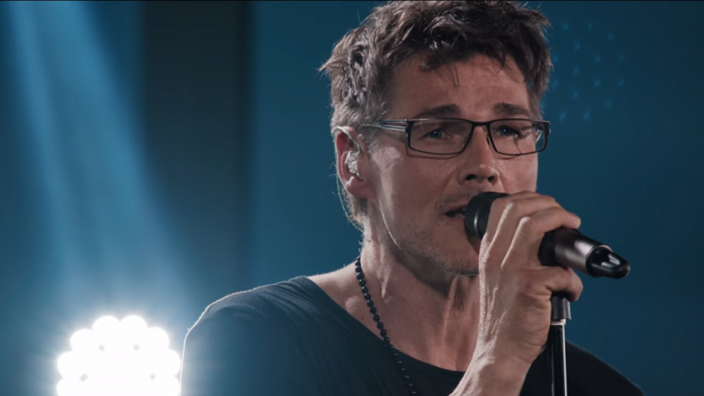 a-ha's acoustic version of Take On Me will give you the feels